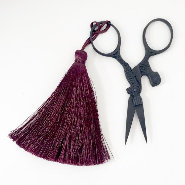 scissors, hen, hen scissors, vintage scissors, snips, tassel, equipment, tools, pouch