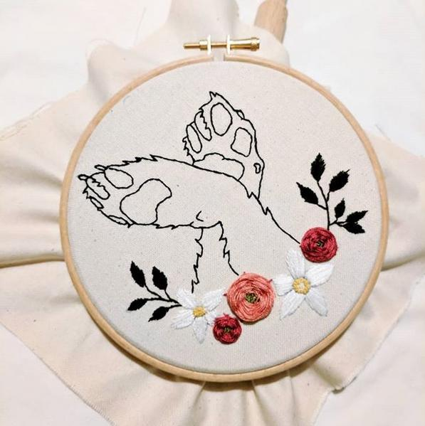 student of the month, embroidery, paws, flower, flower embroidery