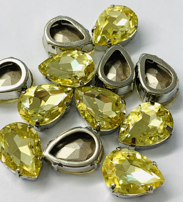 crystal, bead, button, sequins, gem, square crystal, claw edge,