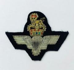 Parachute Regiment Cap Badge, Cap, Gold, Gold Badge, Cap Badge,Blazer, badge, Cap, Cap Badge, Blazer Badge, Vintage badge, military, military badge, military button