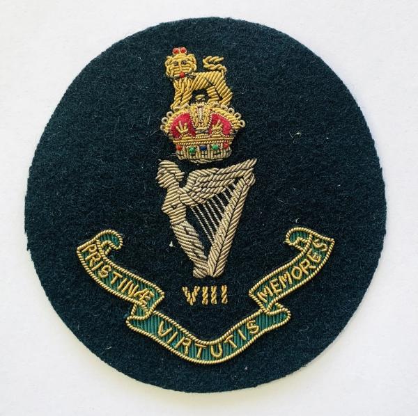 King's 8th Royal Irish Hussar Blazer badge, badge, Cap, Cap Badge, Blazer Badge, Vintage badge, military, military badge, military button