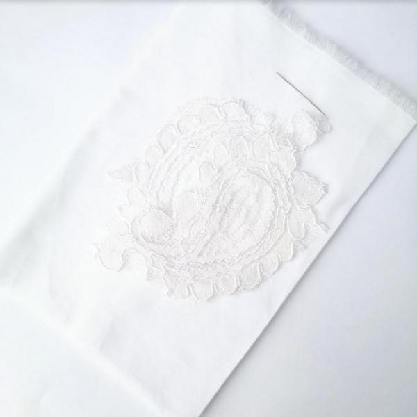 lace, lace appliqué, online class, appliqué, embroidery, white fabric, kit, online class